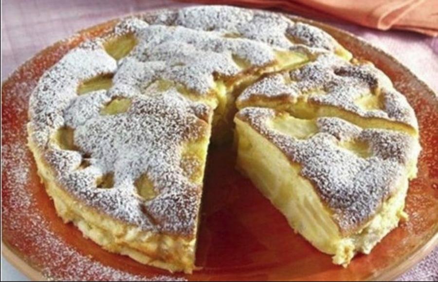 Placinta delicata de mere. Pufoasa, delicioasa, aerata