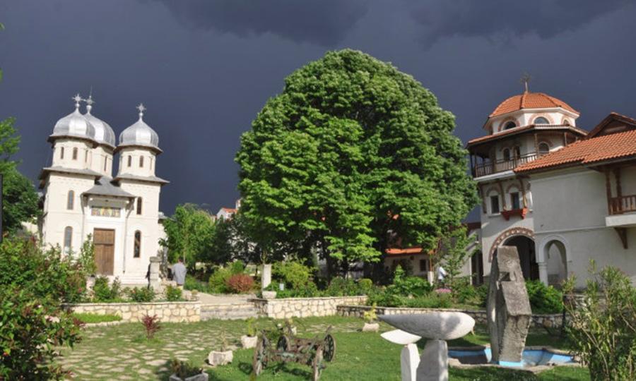 Mănăstirea Dervent, locul sfânt în care se întâmplă minuni