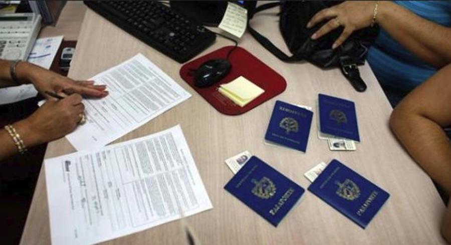 """Litera """"î"""" va fi schimbată cu """"â"""" în numele tuturor localităților, buletine, pașapoarte și permise de conducere"""