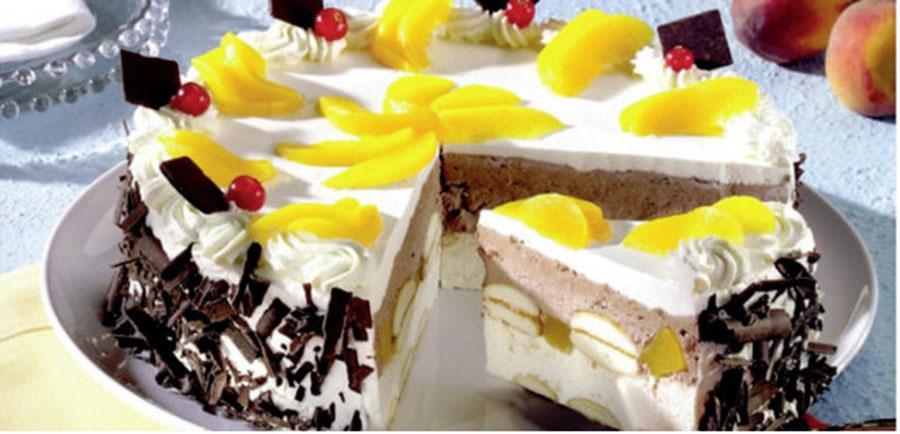 Deliciu fără coacere, gata în doar 10 minute – Un desert senzațional din pișcoturi cu cremă, ciocolată și piersici