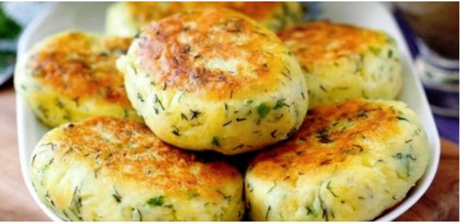 Chifteluțe de cartofi, fragede, cu verdeață și usturoi – o nebunie de arome