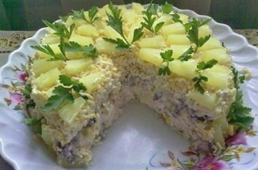 """Salata """"Miracol"""" – Garnitura ideala pentru o masa festiva"""