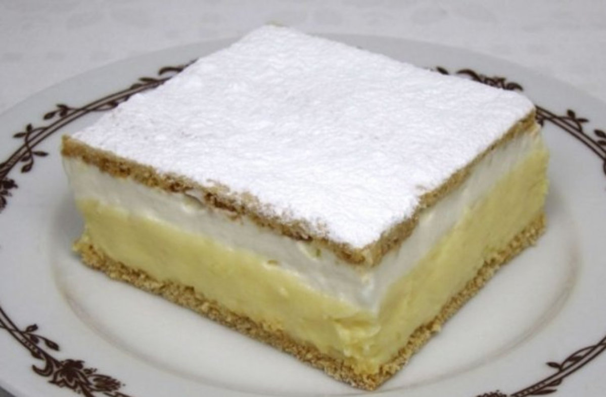 Prajitura Vis de mai – Crema fina de vanilie – De la prima inghititura nu te vei mai opri pana nu o vei termina de mancat